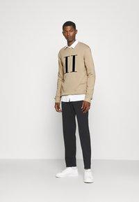 Les Deux - ENCORE LIGHT - Sweatshirt - dark sand/black - 1