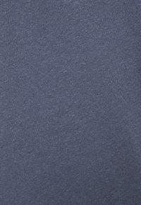 Mos Mosh - TROY TEE - Basic T-shirt - vintage blue - 2