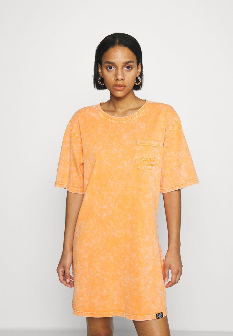 Von Dutch - KENDALL - Jersey dress - orange