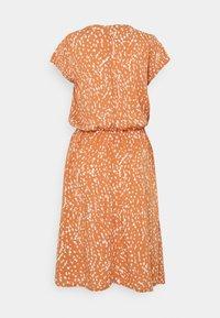 ICHI - IHVERA - Day dress - sunburn - 1