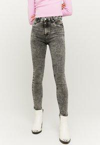 TALLY WEiJL - Jeans Skinny - grey denim - 0