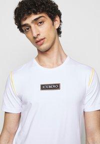 Iceberg - Print T-shirt - bianco ottico - 3