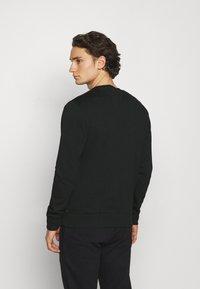 Jack & Jones - JORSCRIPTT CREW NECK - Sweatshirt - black - 2
