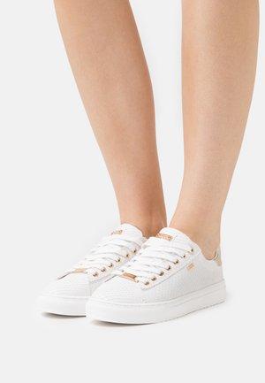 CRISTA - Sneakers laag - white