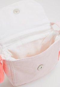 Sunuva - GIRLS PINK LOVE HIPPY BAG - Taška spříčným popruhem - pink - 4