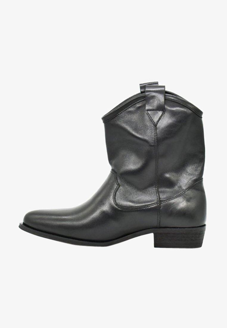 Fertini - Korte laarzen - analin black