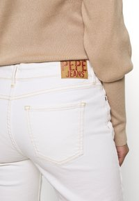 Pepe Jeans - AUBREY - Straight leg jeans - white denim - 5
