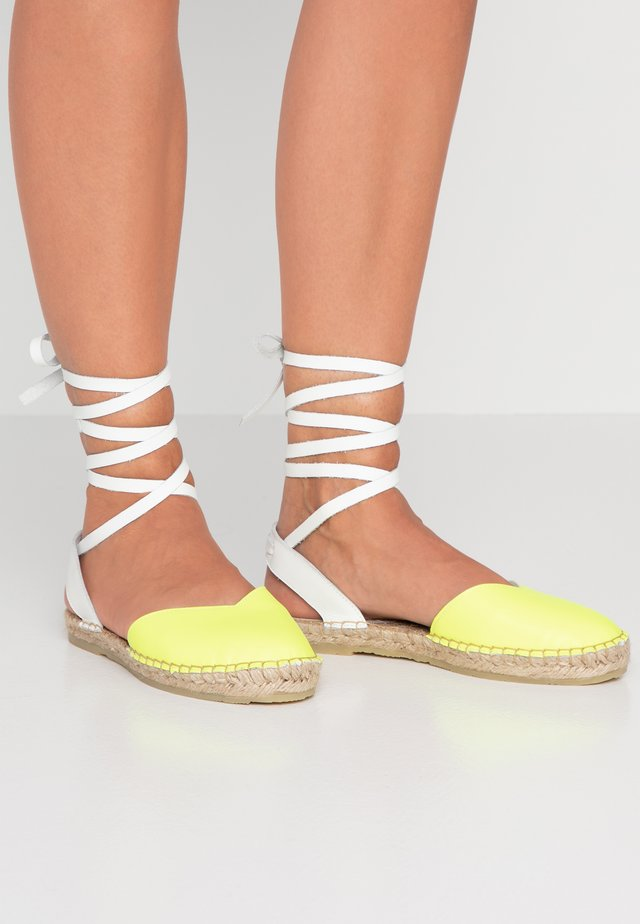 Loafers - neon yellow