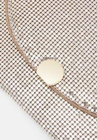 PARFOIS - CROSSBODY BAG MINI - Across body bag - gold - 5