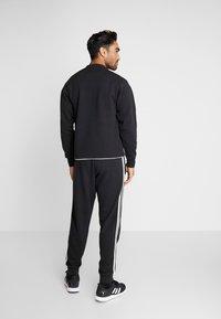 adidas Performance - VRCT CREW - Collegepaita - black/white - 2