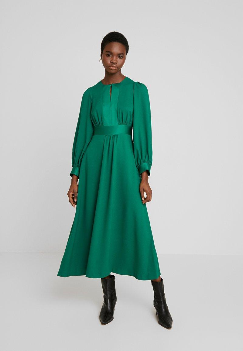 Closet - CLOSET HIGH NECK SKATER DRESS - Denní šaty - green