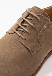 Zign - LEATHER - Lace-ups - taupe - 5