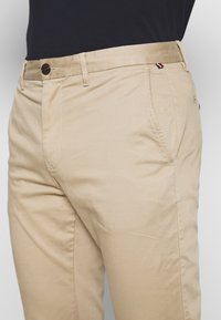 Tommy Hilfiger - CORE STRAIGHT FLEX - Chino - khaki - 3