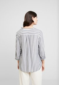 TOM TAILOR - BLOUSE STRIPED - Blouse - offwhite/navy - 2