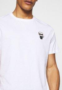 KARL LAGERFELD - CREWNECK - Print T-shirt - white - 5