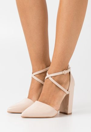 WIDE FIT KATY - Zapatos altos - nude