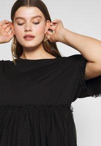 New Look Curves - FLOCKED PEPLUM - T-shirts med print - black - 4
