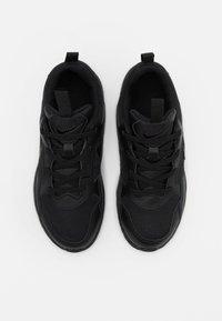 Nike Sportswear - PEGASUS '92 LITE - Trainers - black - 3