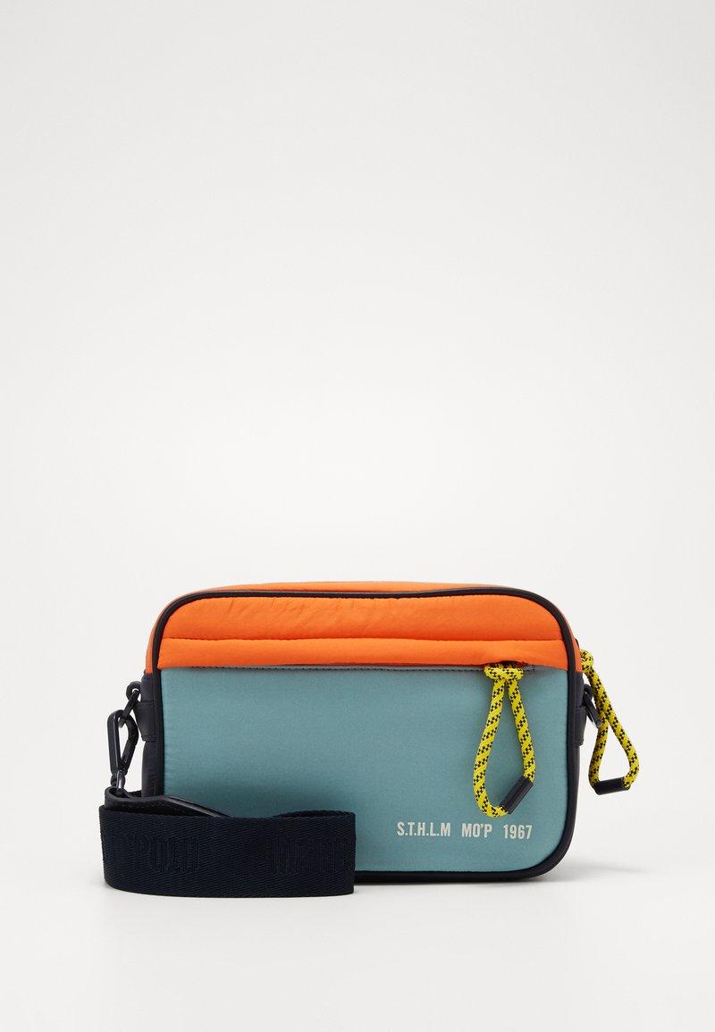Marc O'Polo - CROSSBODY BAG - Schoudertas - multicolor/mint