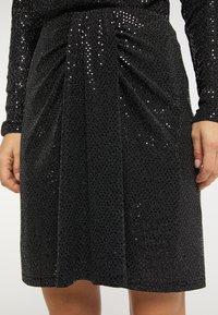 usha - A-line skirt - schwarz silber - 2