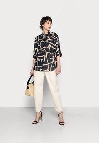 Opus - FUMINE - Button-down blouse - oak tree - 1