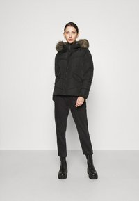 ONLY - ONLROONA QUILTED JACKET - Winter jacket - black - 1
