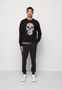 PS Paul Smith - CREW SKULL PRINT - Sweatshirts - black - 1
