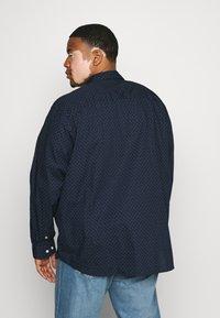 Jack & Jones - Overhemd - navy blazer - 2
