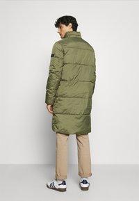 TOM TAILOR DENIM - MODERN PUFFER COAT - Zimní kabát - tree moss green - 3