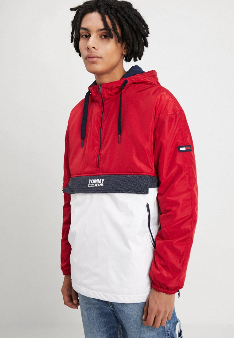 Tommy Jeans - COLORBLOCK POPOVER - Light jacket - red