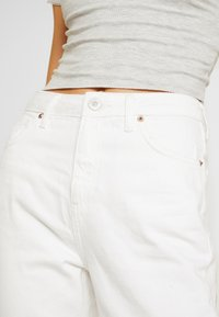 BDG Urban Outfitters - PAX - Straight leg jeans - white - 5