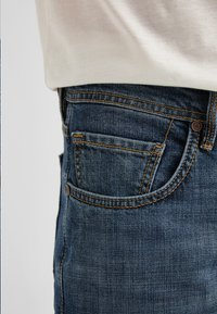Baldessarini - 5-POCKET JACK - Straight leg jeans - blue fashion - 5
