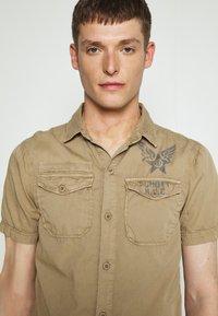 Schott - VICTORY - Shirt - army beige - 3