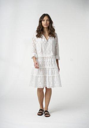 VILDA  - Freizeitkleid - white