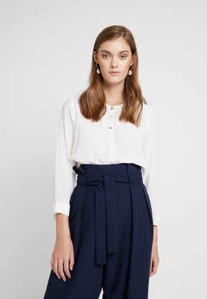 BLOUSE WITH COLLAR - Bluser - pearl white