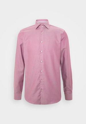 2 TONE MODERN - Formální košile - amaranth