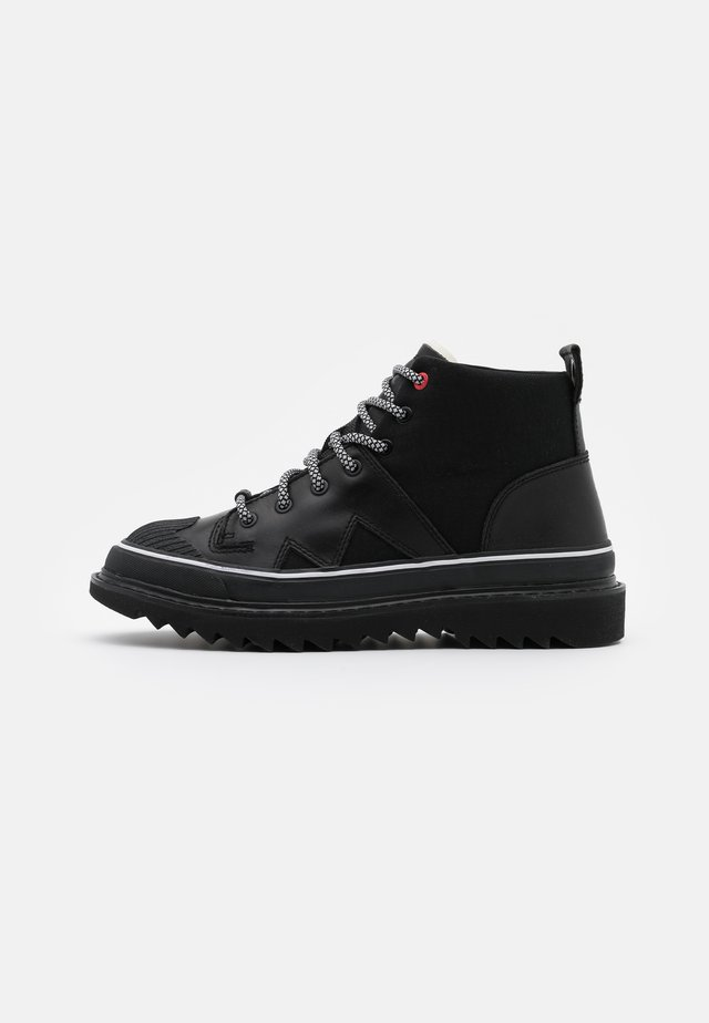 SHIROKI H-SHIROKI DBB X - Lace-up ankle boots - black