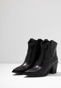 Unisa - MILCA - Cowboy/biker ankle boot - black - 4