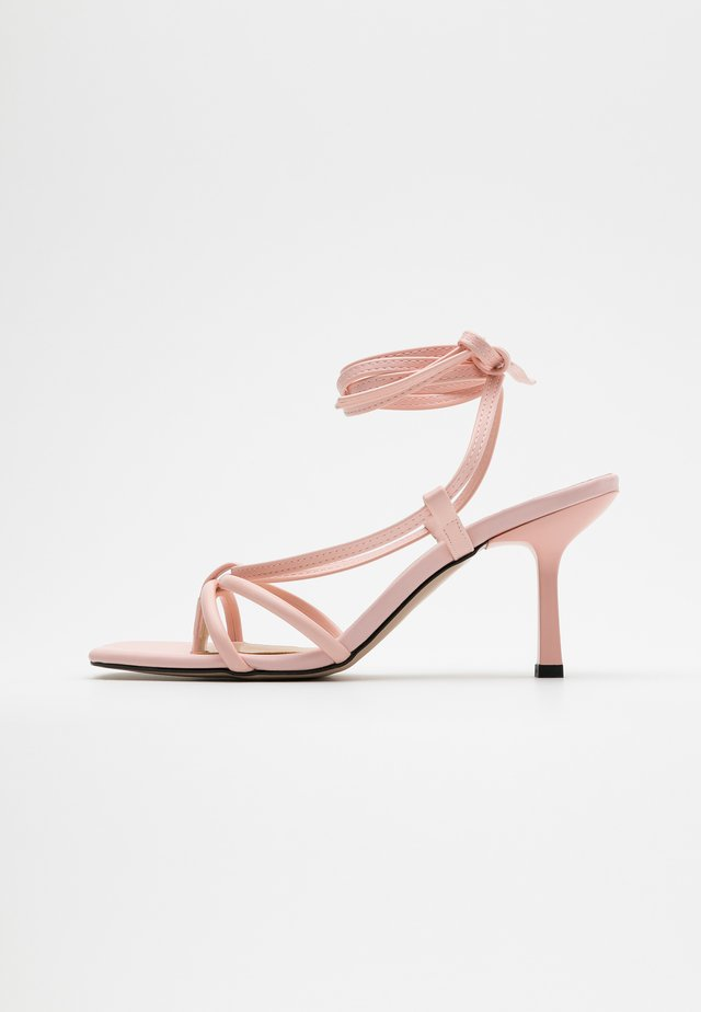T-bar sandals - pembe