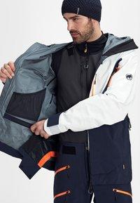 Mammut - Ski jacket - marine-bright white - 5