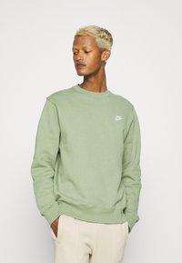 Nike Sportswear - CLUB CREW - Felpa - oil green - 0