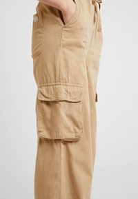 BDG Urban Outfitters - BAGGY RAFF TROUSER - Spodnie materiałowe - ecru - 6