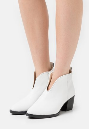 LEATHER - Ankle boots - white