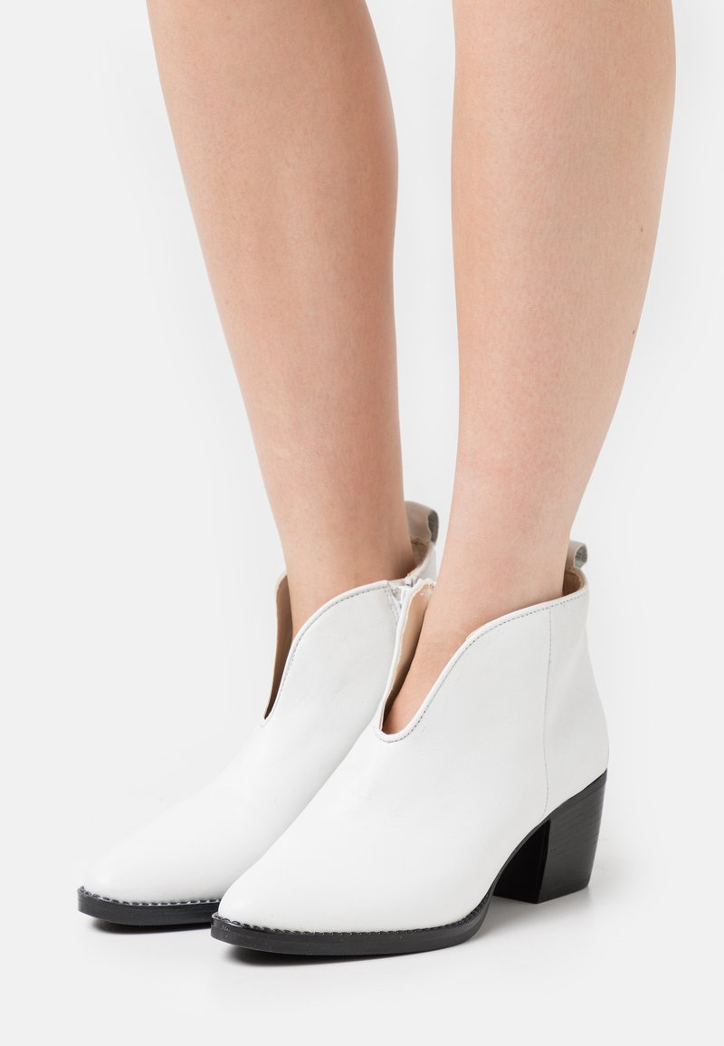 Anna Field - LEATHER - Ankle boots - white