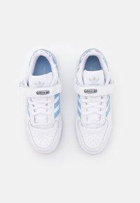 adidas Originals - FORUM  - Sneakers - footwear white/ambient sky/legend ink - 5