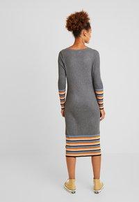 Vila - VIHELENI STRIPE DRESS - Jumper dress - medium grey melange/ultramarine - 3