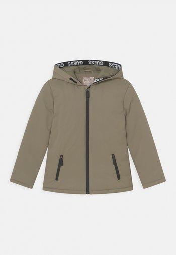 JUNIOR PADDED HOODED UNISEX  - Winter jacket - grün