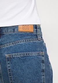 BDG Urban Outfitters - MODERN BOYFRIEND BAGGY JEAN - Relaxed fit -farkut - blue denim - 5