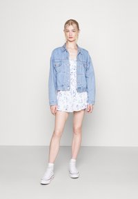 Hollister Co. - ROMPER - Overal - white floral - 1