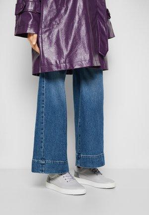 LOW EVA MIX - Sneakers basse - grey/purple